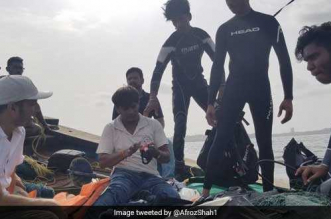 World Environment Day Special: In A First, Divers Join The Versova Beach Clean-Up