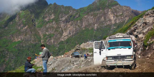 Plastic Waste Is Threatening The Fragile Ecology Of Picturesque Rohtang Pass, Thanks To Heavy Influx Of Tourists
