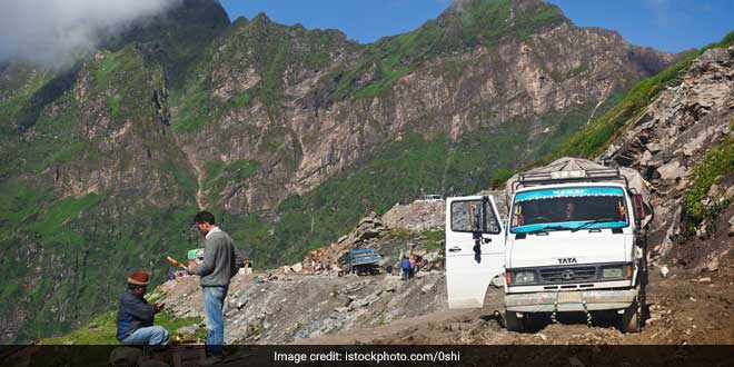 rohtang-pass-plastic-waste1