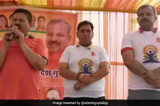 North Delhi mayor Adesh Gupta urges people to use toilets