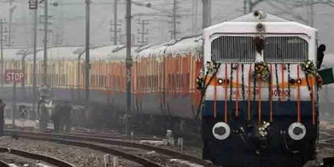 Swachh Rail-Swachh India: Indian Railways' Bio-toilets To Be Upgraded To Airplane-like Vacuum Toilets, Says Railway Minister Piyush Goyal