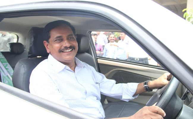 Hyderabad Metro Introduces Rental Electric Car Service To Combat Air Pollution