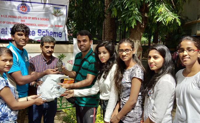 Since the Maharashtra plastic ban, Angholichi Goli has started a sapling for plastics initiative