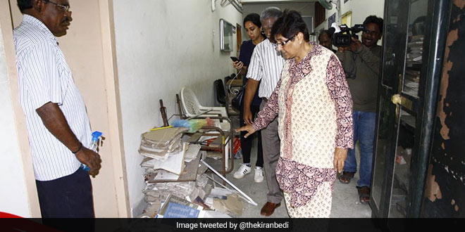 Swachh Bharat Abhiyan- Puducherry Lieutenant Governor Kiran Bedi finds a government office unclean