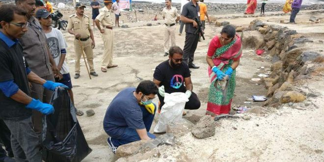 After Cleaning Up 300 Tonnes Of Garbage From Mumbai's Dadar Beach, This Warrior To Transform Warli Fort Into A Clean Tourist Spot