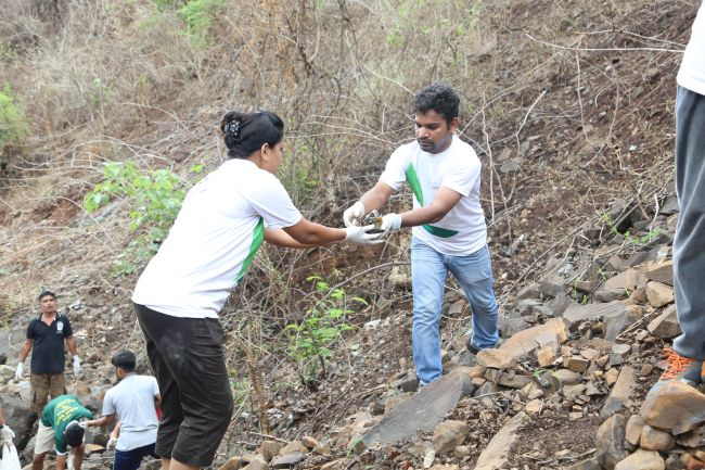 Meet 31-Year-Old Warrior Who Has Initiated One-Of-A-Kind Waterfall Cleanup In Maharashtra