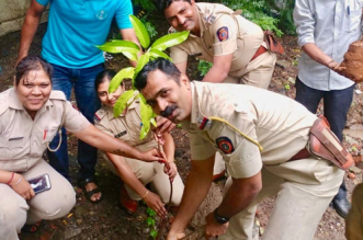 Mumbai Police Joins Hands With City Based NGO To Plant 4,000 Trees In A Months' Time