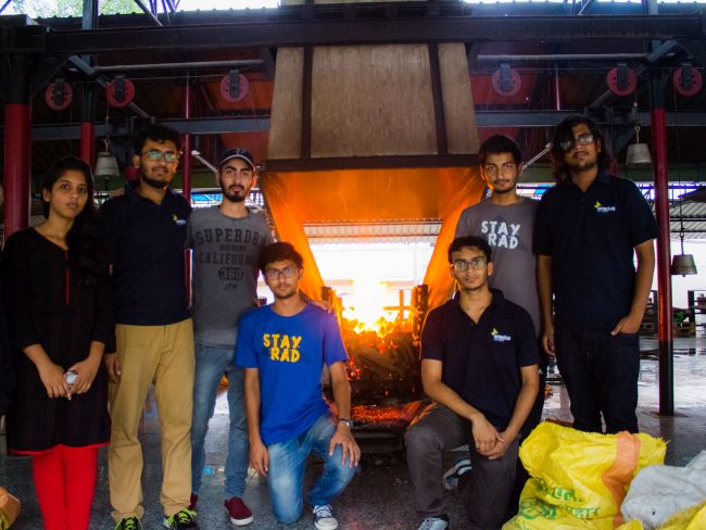 IIT Delhi Students Give Eco-Friendly Touch To Cremation, Replace Wood Logs With Cow Dung Logs