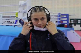 Air Pollution Crisis: Women Boxers Wear Masks, Scarves To Guard Against Smog At World Championships In Delhi