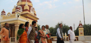 Delhi's Birla Temple Celebrates Swachh Chhath, Gets Compost Machine To Convert Flower Waste