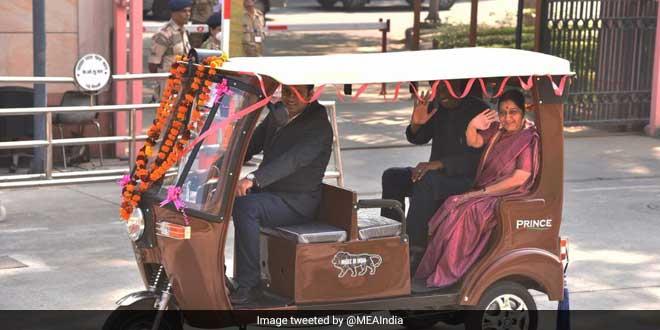 Minister Sushma Swaraj Gives E-Rickshaws To Senegal To Promote Clean Energy