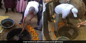 On World Toilet Day, Top Bureaucrats Get Their Hands Dirty To Clean Toilet Pits In Uttar Pradesh