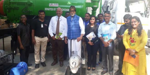 Amitabh Bachchan Fulfills Promise Made On #Mere10Guz Cleanathon Of Donating Sewer Cleaning Machines