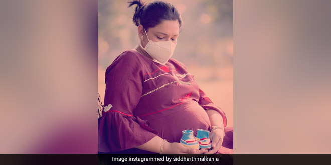 Stop Air Pollution: This Expecting Mom In Delhi Makes A Moving Appeal To Authorities For A Healthy Future Of Her Newborn Baby