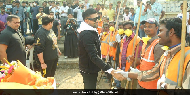 Participate in the cleanup drive at Chimbai beach and stand a chance to attend Guru Randhawa's music concert