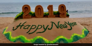 Sand Artist Sudarsan Pattnaik Spreads The 'Go Green' Message Through His Sand Art Creation On New Year's Eve