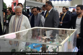 Prime Minister visited several Swachh Bharat Abhiyan stalls on January 17