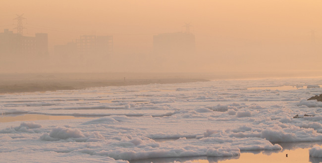 yamuna-river-pollution-froth