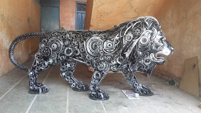 Eco-Friendly Art: This Mumbai Based Artist Converts Junk Electronics Into Fascinating Sculptures