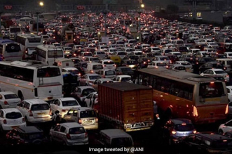 Do CNG Vehicles Cause Air Pollution, High Court Asks Delhi Government