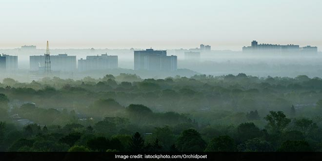 In 2015, more than half of the Indian population, about 670 million citizens, were exposed to PM2.5 concentrations that did not comply with India's NAAQS for PM2.5 (40 mg/m3)