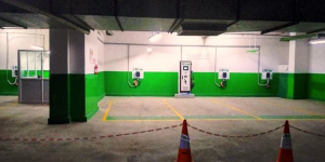 With A New Electric Vehicle Charging Station, This Mall In Delhi Aims To Boost E-Mobility Among Its Visitors
