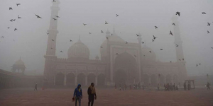National Capital's Air Quality Set To Deteriorate From 'Very Poor' To 'Severe' Courtesy Of Dust Storm, Says SAFAR