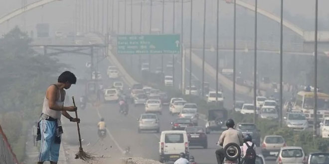 Delhi's air quality index (AQI) on Monday was recorded at 402