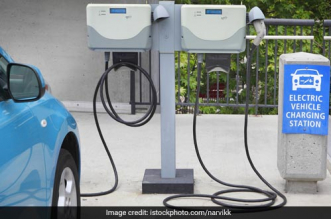 Power Ministry Signs MoU With Ahmedabad Civic Body On Electric Vehicles