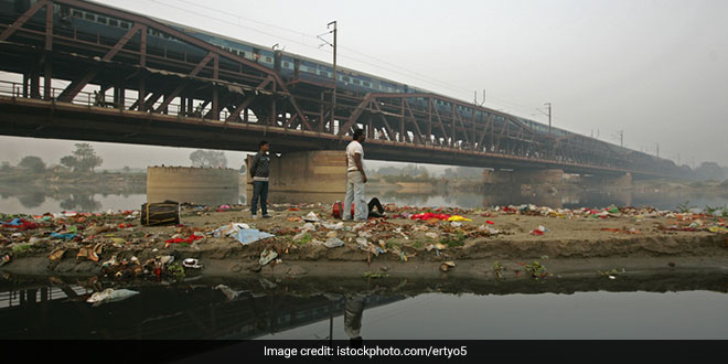 Delhi Chief Minister Seeks Centre's Cooperation For Yamuna Flood Plains Water Storage Project