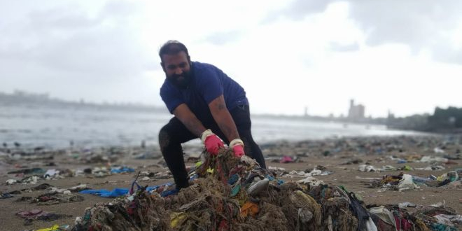 Heroes Of Swachh India: Meet Chinu Kwatra, A Beach Warrior On A Mission To Clean All Beaches And River Fronts In The Country