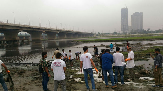 Apart from helping in keeping Mumbai's beaches clean, Chinu Kwatra now eyes on cleaning up the highly-polluted Yamuna river in Delhi