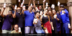 Prime Minister Narendra Modi Gives A Thumbs Up To 'Coolie No. 1' Team For Supporting Government's Campaign Against Single-Use-Plastic