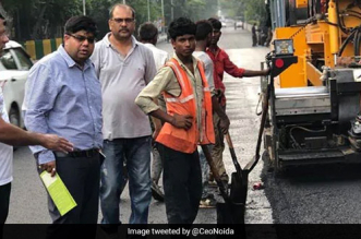 Plastics: A 2.5 Km Long Road From Plastic Waste Under Construction In Noida To Tackle Plastic Pollution