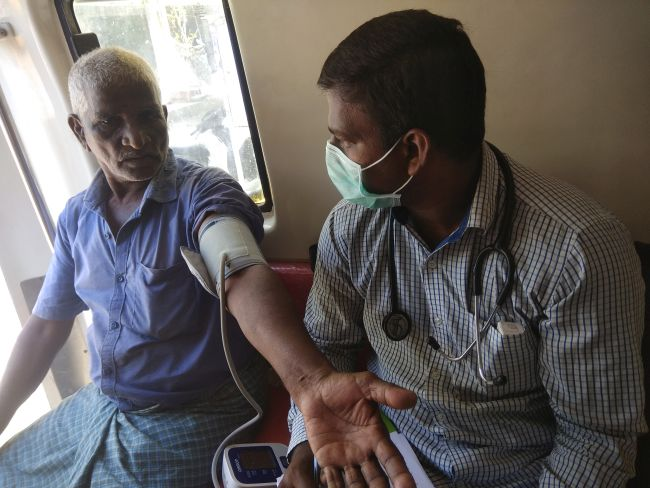 In India's Health Capital Chennai, Smile Foundation Provides Free Medical Counselling And Treatment At Door Step