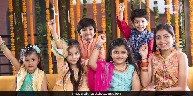 Happy Diwali 2019: Nearly 9,000 Students In Pune Take An Oath To Celebrate A Plastic-Free Diwali