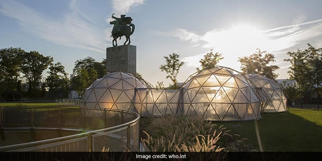 Pollution Pods At UN Climate Summit Help People Experience Delhi's Smog
