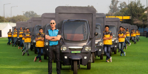 To Cut Its Carbon Footprint Retail Giant Amazon Plans To Ply 10,000 Electric Delivery Vehicles In India By 2025