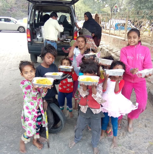 Rasoi On Wheel: This Mobile Kitchen Serves Nutritious Food To The Poor In Delhi And Gurugram