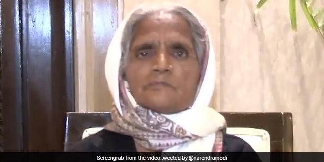 This Mason Utter Pradesh Who Is On A Mission To Build Toilets In Slums Has Won Nari Shakti Award