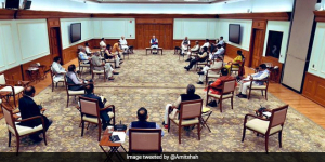India Fights Corona: Prime Minister Narendra Modi Follows Social Distancing Norms During Cabinet Meet