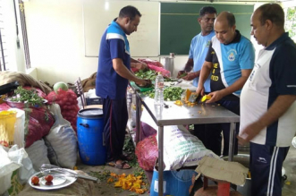 Coronavirus: UP Government Asks Officials To Open Community Kitchens For Poor, Migrant Labourers