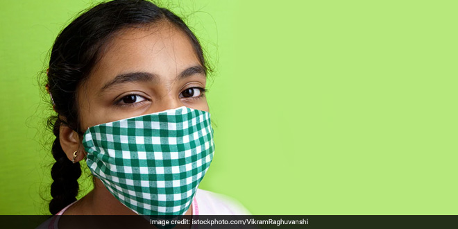 COVID-19: Government's Scientific Advisor Issues Manual For Homemade Masks, Says They Are 70% Effective