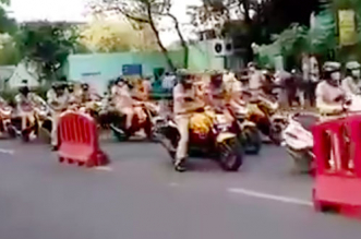 Watch: Delhi Police Pay Respect To AIIMS' Medical Workers For Coronavirus Fight, Performs 'Siren Parikrama' On Bikes