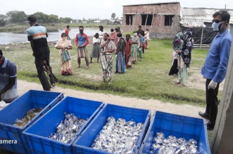Coronavirus Lockdown: This NGO Feeds Meals, Provides Essentials To Forest Dwellers In Sundarbans