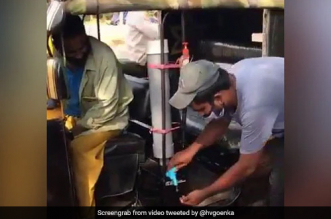 An Auto Rickshaw In Kerala Promotes Hand Washing With On The Go Tap And Hand Wash, Internet Lauds