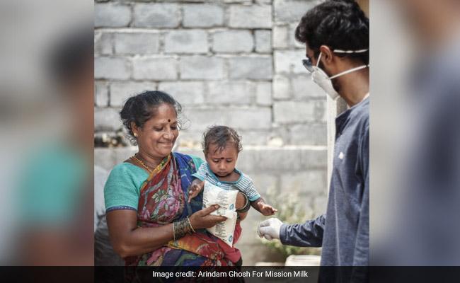 This Trio From Bengaluru Is Providing Nutrition To Underprivileged Kids During Coronavirus Pandemic, Distributes Milk