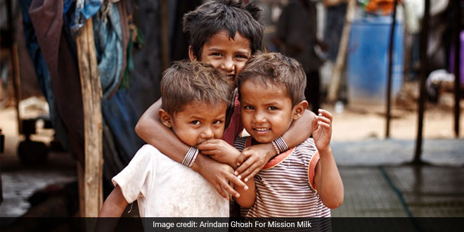 This Trio From Bengaluru Is Providing Nutrition To Underprivileged Kids During Coronavirus Pandemic, Distributes Milk