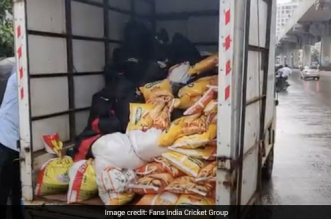 COVID-19 Warriors: Indian Cricket Fans Across 6 Countries Join Hands To Distribute Food To 400 Needy Families In Mumbai