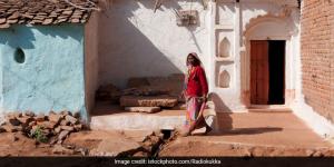Poshan Maah 2020: How Indira Didi, An Anganwadi Worker Is Braving All Odds Amid Coronavirus To Keep Her Village Healthy